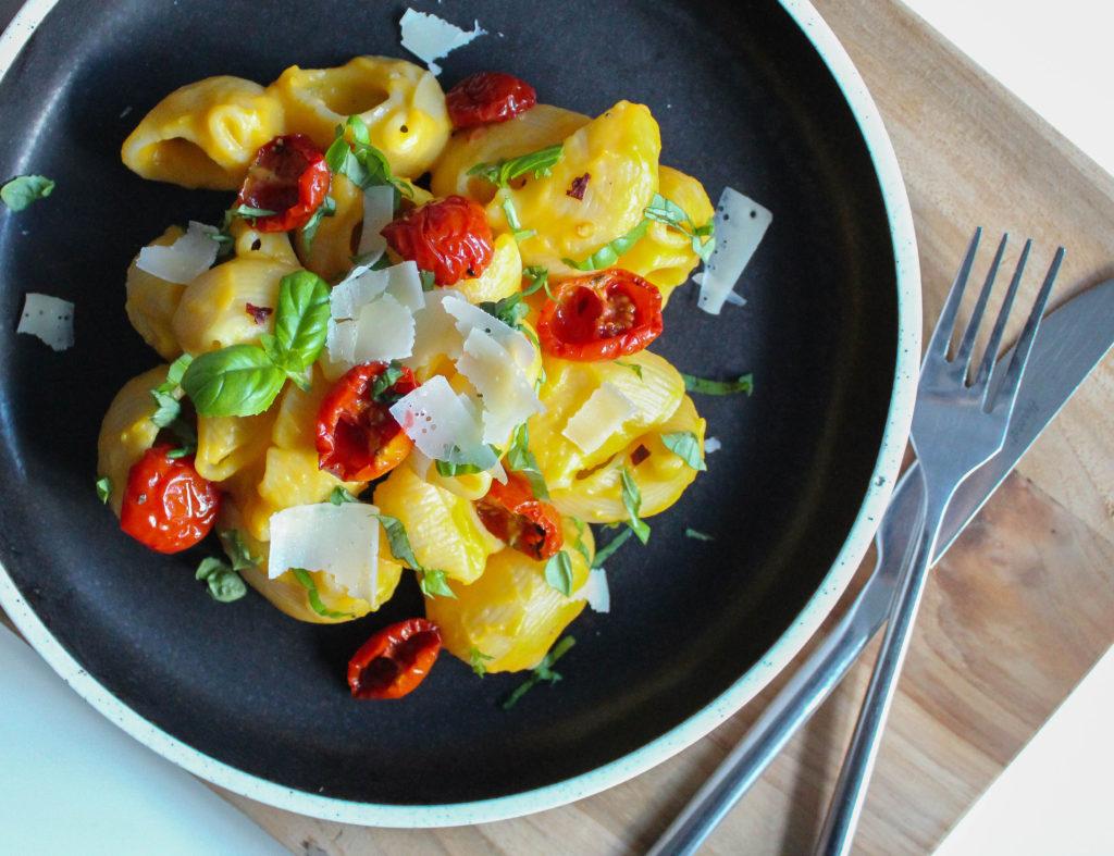 pasta med græskarsovs